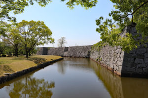 赤穂城・凸凹の本丸石垣