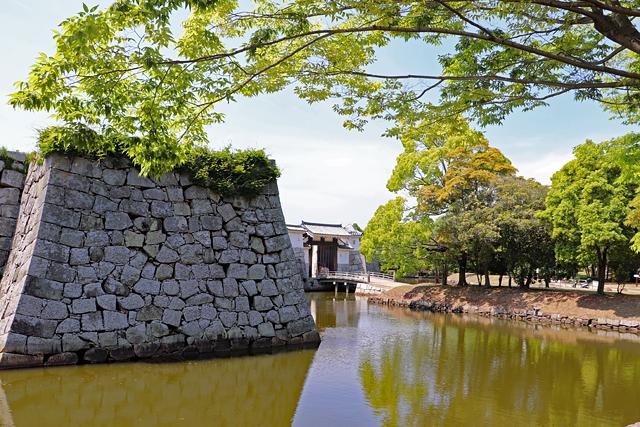 赤穂城・二之丸と本丸厩口門