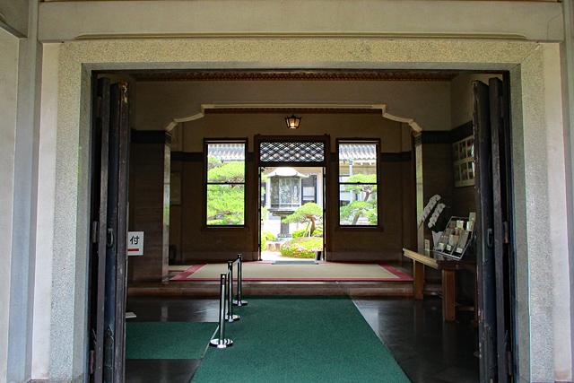 白鶴美術館・館内入口