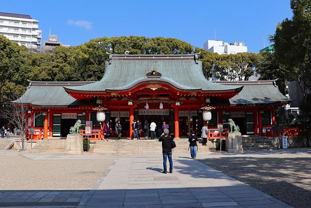 生田神社・拝殿