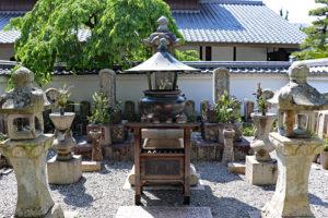 花岳寺・義士墓所(浅野内匠頭・大石内蔵助・大石主税)