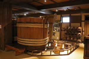 菊正宗酒造記念館・酒造展示室(大桶)