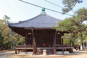 昆陽寺行基堂(開山堂)
