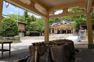 湊川神社・境内の手水舎