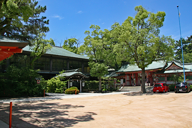 長田神社境内