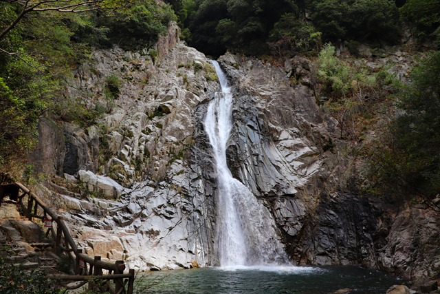 布引の滝・雄滝