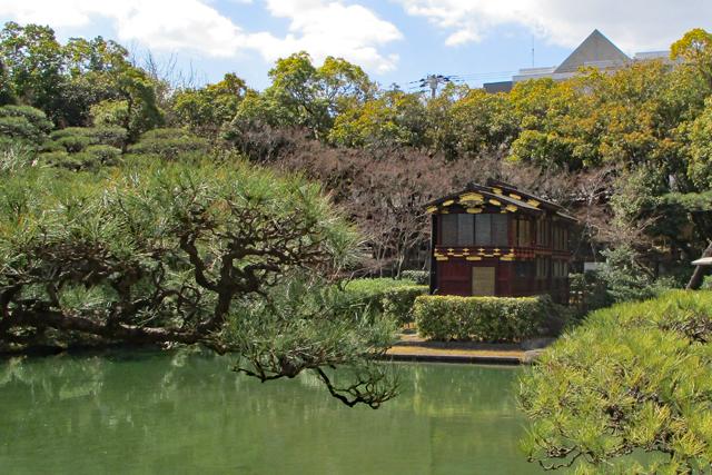 相楽園・日本庭園の船屋形