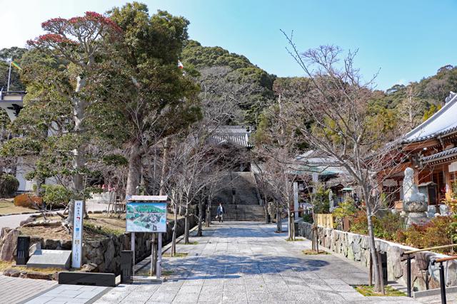 須磨寺の境内風景