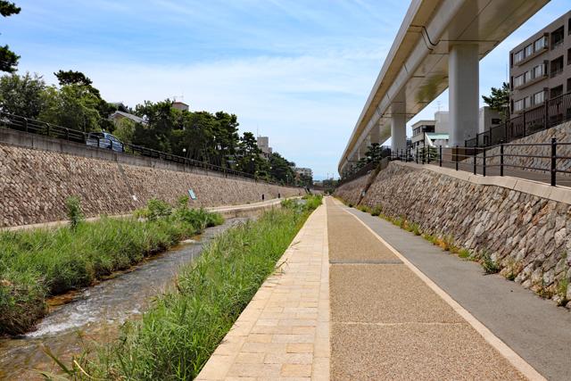 住吉川の遊歩道