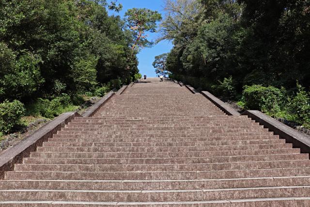 伏見桃山陵・正面石段途中