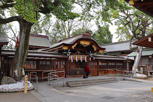 護王神社・中門と本殿