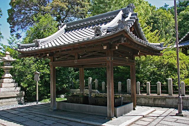 城南宮手水舎(伏見名水・菊水若水)