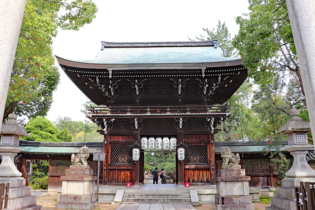 上御霊神社・西門(楼門)
