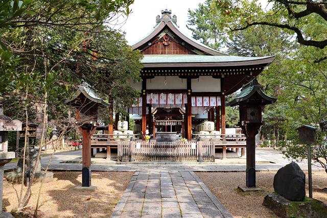 上御霊神社・拝殿