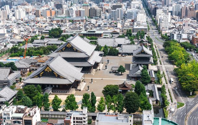 京都タワーから東本願寺