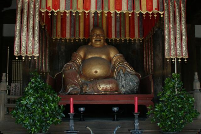 萬福寺天王殿・弥勒菩薩像