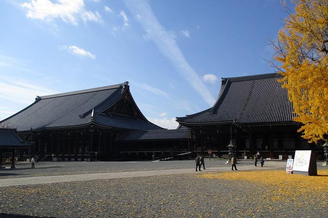 西本願寺境内
