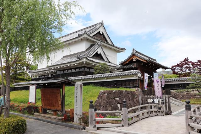 勝竜寺城公園入口