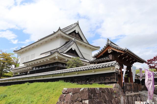 勝竜寺城公園・模擬櫓(管理棟)