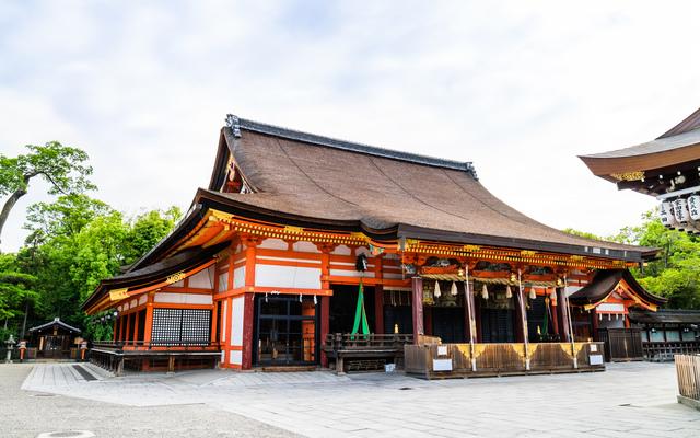 祇園造(八坂神社)