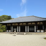 秋篠寺|苔じゅうたんの中にたたずむ「技芸の女神」(奈良名所巡り)