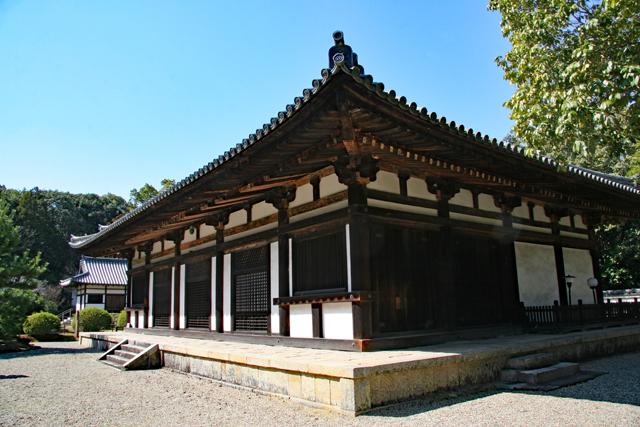 諸仏が安置される本堂