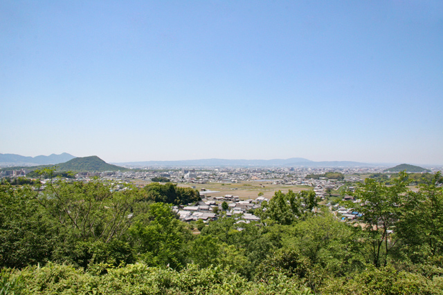 甘樫丘展望台から畝傍山・耳成山