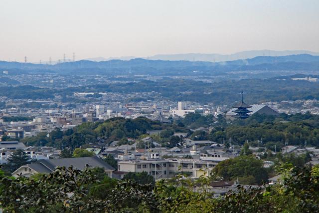 白毫寺境内から眺める奈良市街
