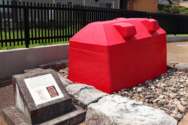 藤ノ木古墳の石棺レプリカ