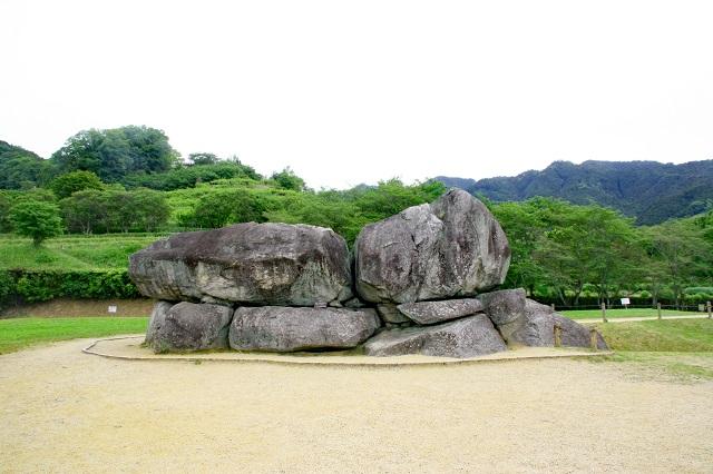 石舞台古墳側面