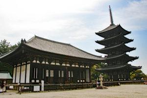 興福寺・東金堂と五重塔