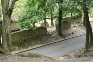 興福寺旧境内(現・奈良公園)の土塀