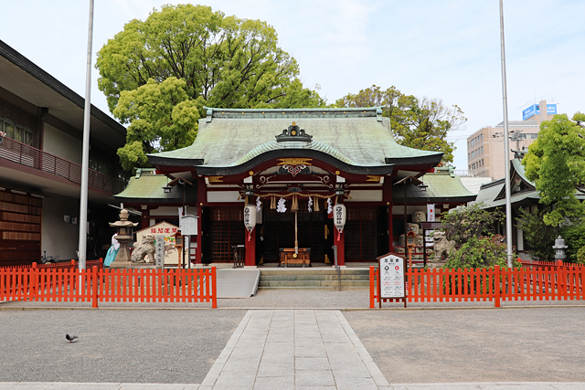 開口神社本殿