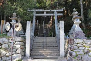 烏帽子形八幡神社