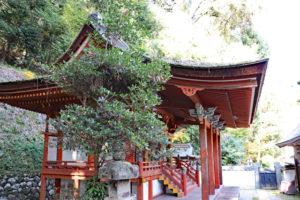 烏帽子形八幡神社・本殿側面