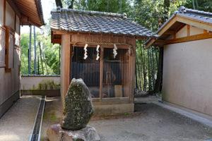 烏帽子形八幡神社・楠公武威の松