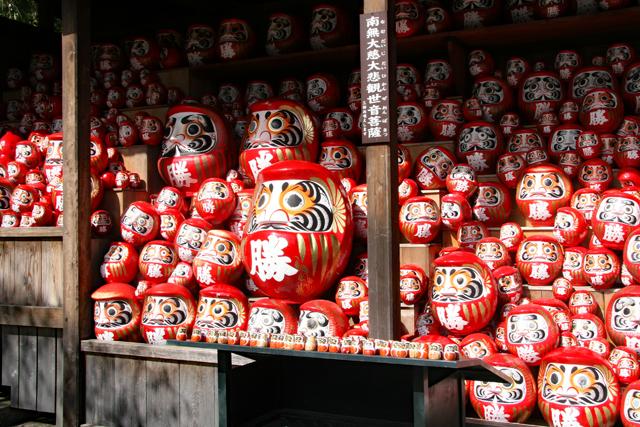 勝尾寺の勝ちダルマ