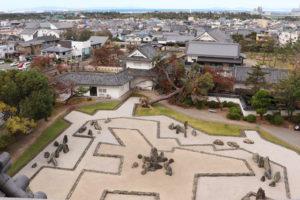 岸和田城・天守閣から眺める八陣の庭