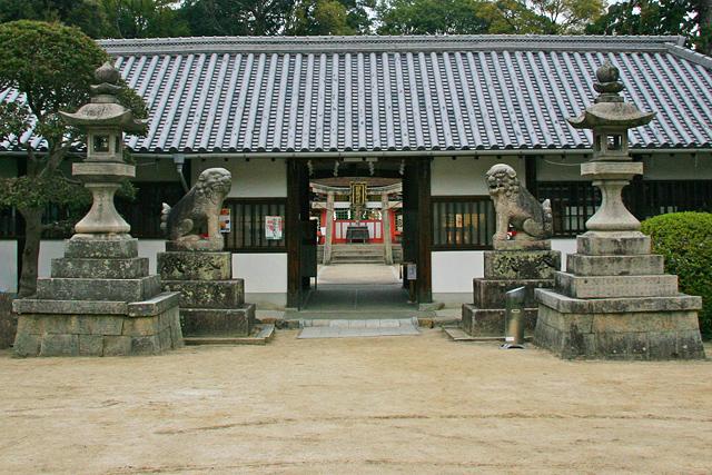 錦織神社拝殿・社務所