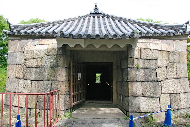 焔硝蔵入口