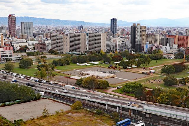 大阪歴史博物館10階から眺める難波宮跡