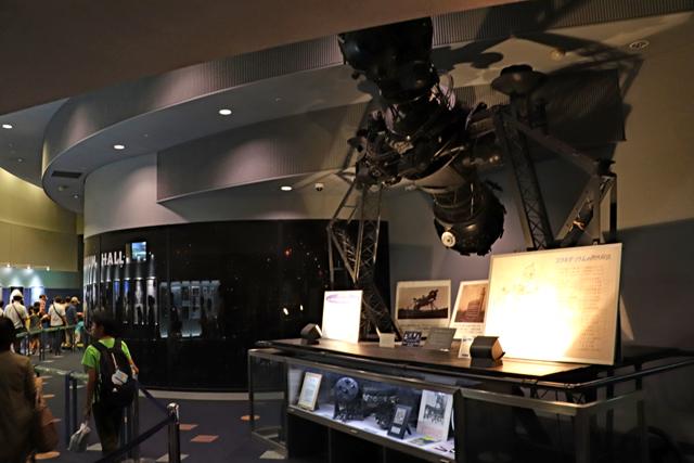 大阪市立科学館・プラネタリウムホール入口