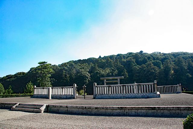 応神天皇陵拝所