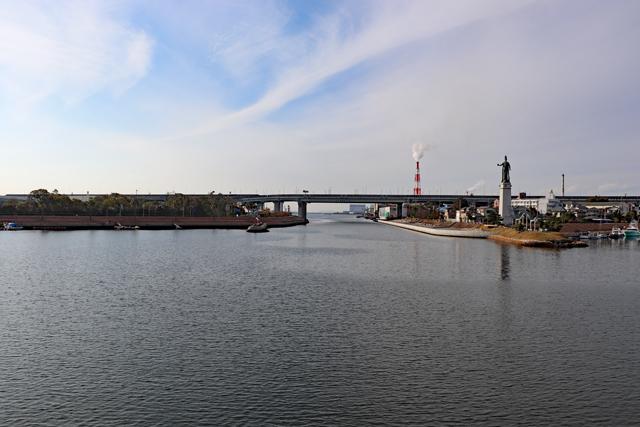 堺旧港から大阪湾を望む