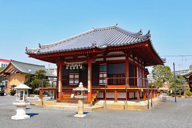 総持寺金堂(薬師堂)
