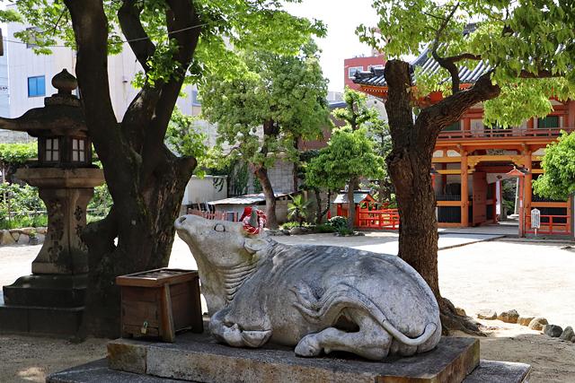 菅原神社・神牛