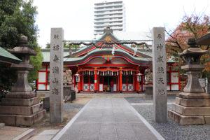 玉造稲荷神社・拝殿正面