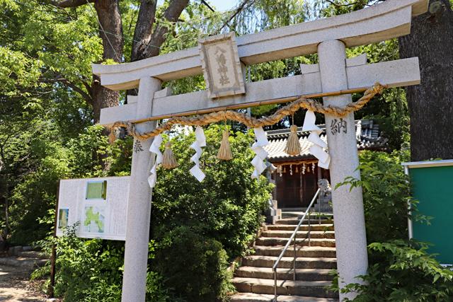 津堂城山古墳・津堂八幡神社の鳥居