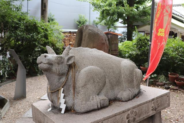 安居神社・神牛像