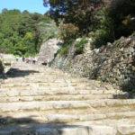 安土城跡|幅広の大手道に天主跡、石だらけの信長居城(滋賀名所巡り)